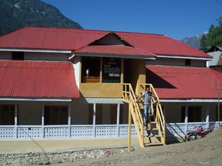 Zoom Guest House Sharda Neelum Valley